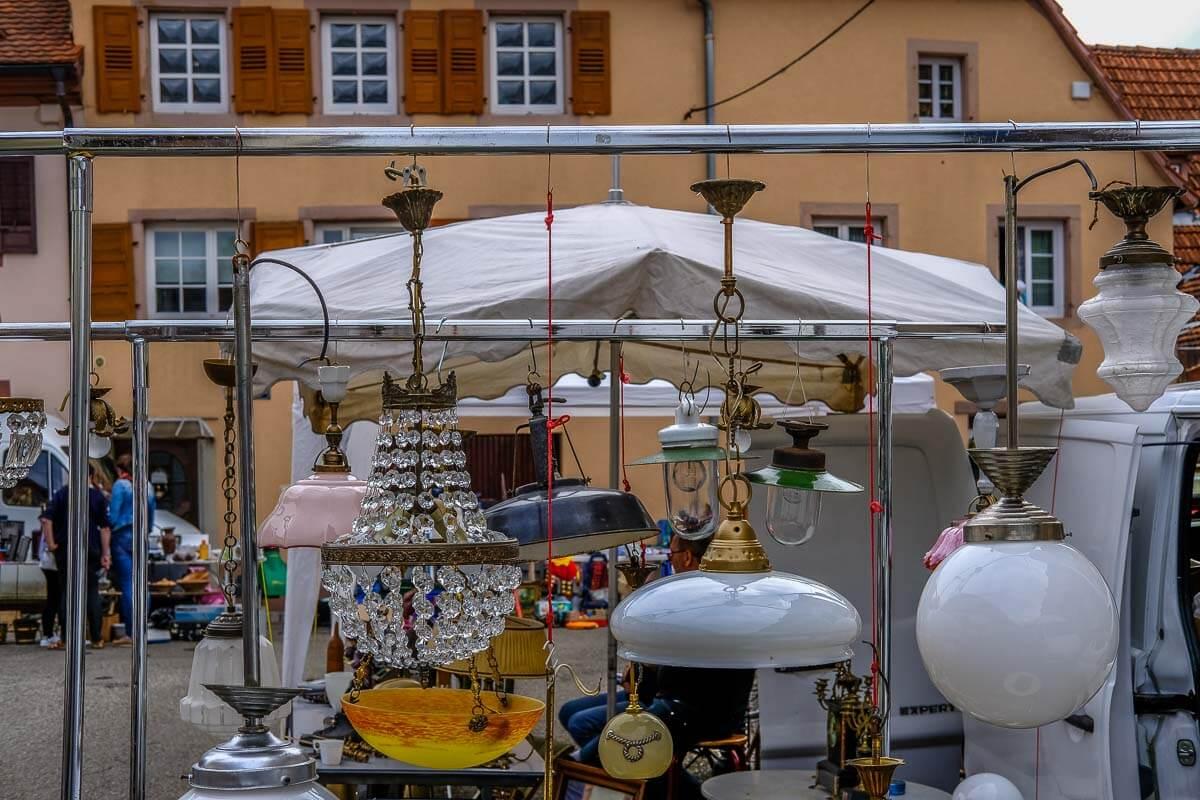 flohmarkt in wissembourg im elsass. Black Bedroom Furniture Sets. Home Design Ideas