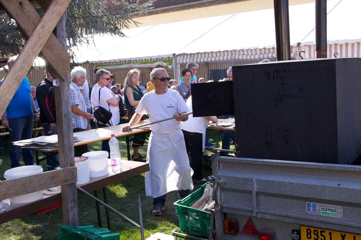 Elsässischer Flammkuchen auf dem Pfingstfest in Wissembourg